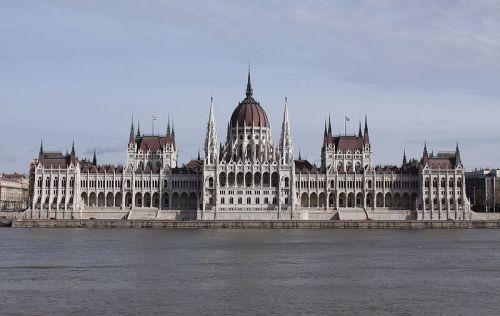 Országháza