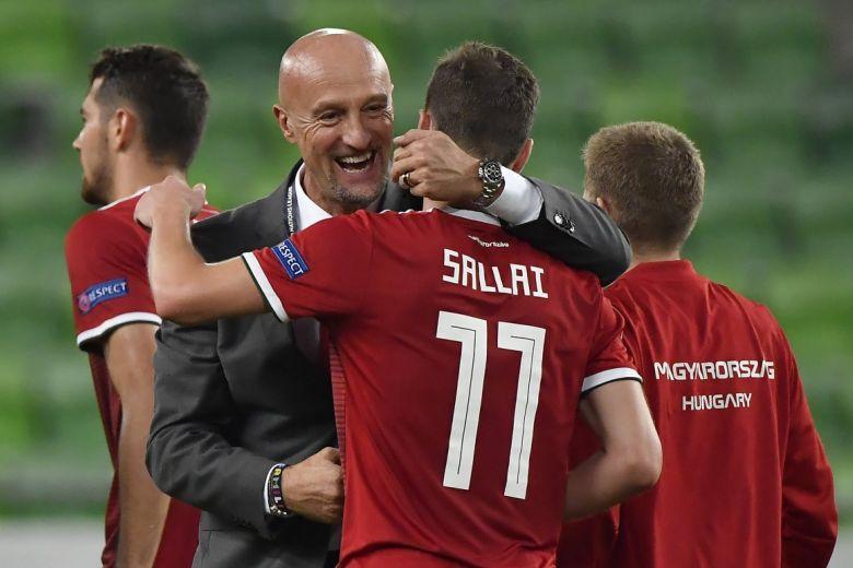 Marco Rossi szövetségi kapitány és Sallai Roland. MTI Fotó: Illyés Tibor