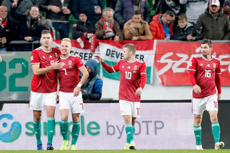 Szalai, Dzsudzsák, Kovács és Pátkai öröme (Fotó: Laszlo Szirtesi / Shutterstock.com)