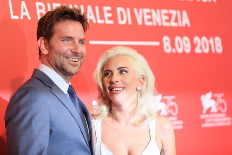 Bradley Cooper és Lady Gaga. Fotó: Denis Makarenko / Shutterstock.com