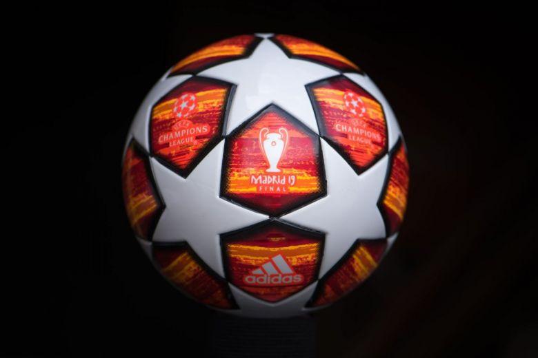 A Bajnokok Ligája hivatalos labdája (Fotó: kovop58 / Shutterstock.com)