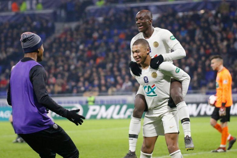 Mbappe Kylian és Diaby Moussa gólöröme (Fotó: Romain Biard / Shutterstock.com)