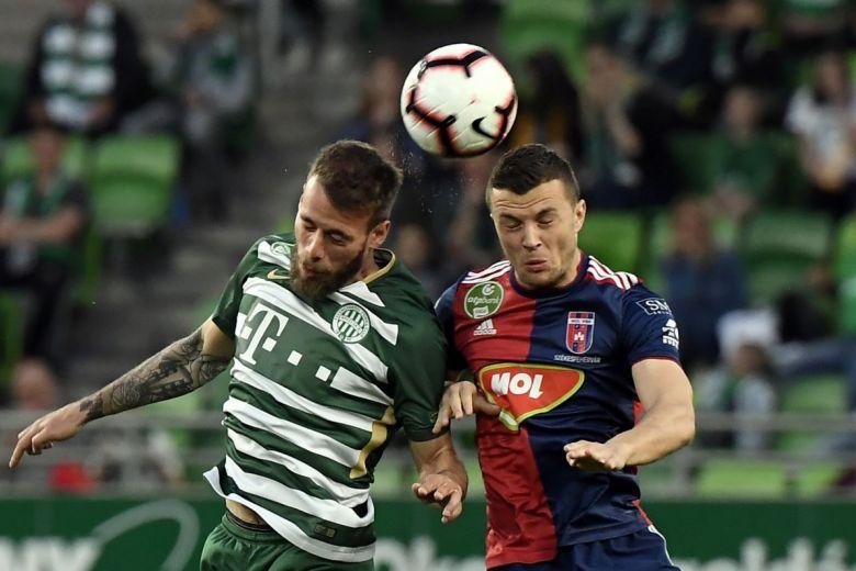 Miha Blazic és Armin Hodzic a Ferencváros - MOL Vidi FC mérkőzésen (Fotó: MTI/Kovács Tamás)