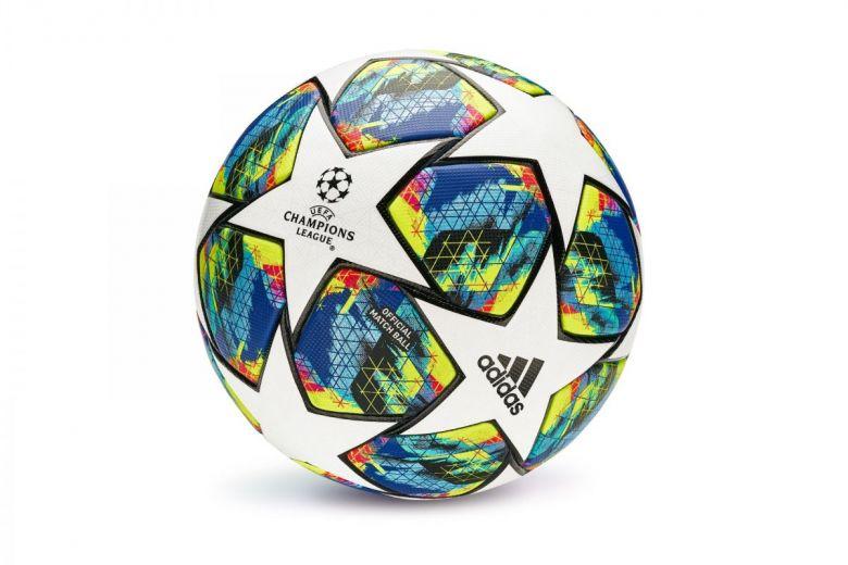 Bajnokok Ligája hivatalos labdája a 2019/2020-as idényben (Fotó: shivanetua / Shutterstock.com)