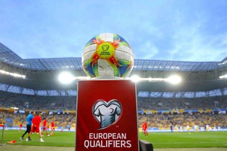 Európa-bajnokság selejtezők labdája, az Adidas Conext19 (Fotó: katatonia82 / Shutterstock.com)