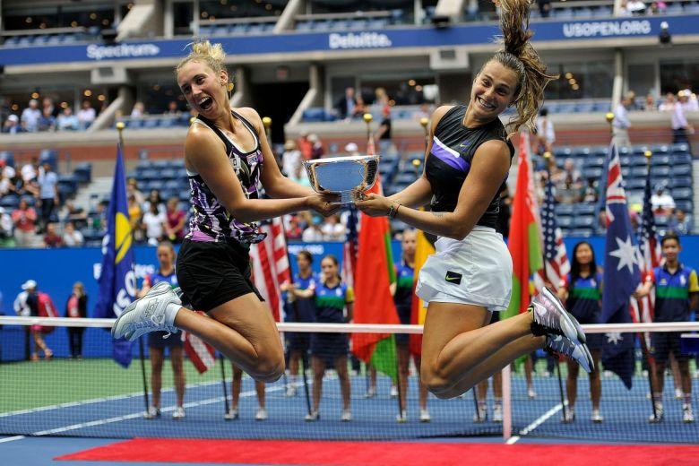 Elise Mertens és Aryna Sabalenka (Fotó: Leonard Zhukovsky / Shutterstock.com)