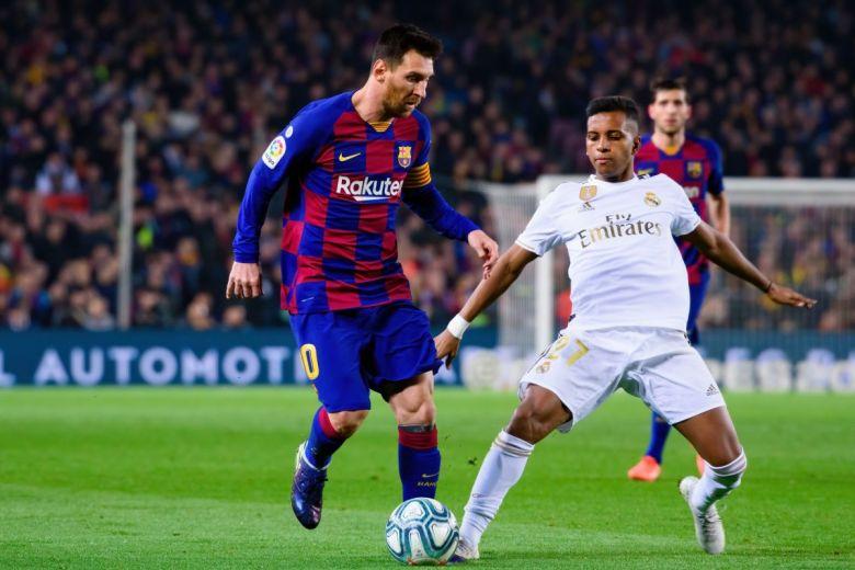 Lionel Messi és Rodrygo Goes a Barcelona - Real Madrid rangadón (Fotó: Christian Bertrand / Shutterstock.com)