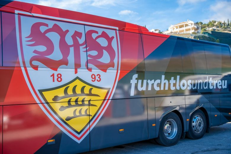 A VfB Stuttgart csapatbusza. fotó: shutterstock/Eduard Goricev