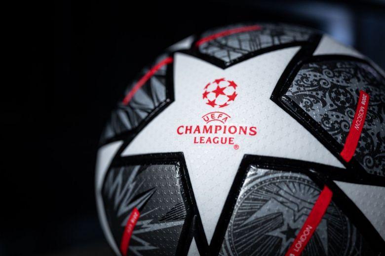 Bajnokok Ligájának hivatalos labdája (Fotó: Nattawit Khomsanit / Shutterstock.com)