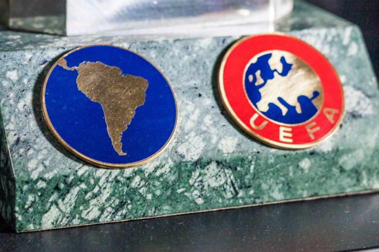 Dél-Amerika és UEFA (Fotó: Bobkov Evgeniy / Shutterstock.com)